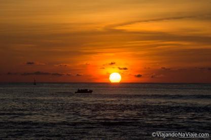 "Serie: Galapagos Experience 2017 // Fotos y Edición: Felipe ""Pipo"" (viajandonaviaje.com) // Sunset at Carola Beach, San Cristobal Island"
